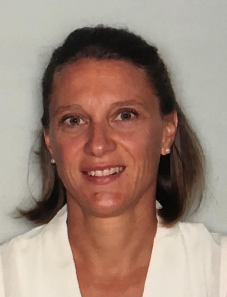 Sarah NOWAKOWSKI Réflexologue RNCP Praticienne en acupression Accompagnement psycho-émotionnel Cabinet Réflexe Santé Metz-Tessy Annecy